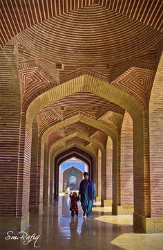 Shah Jahan Mosque in Pakistan. The Shah Jahan Mosque was built in the reign of Mughal emperor Shah Jahan, known as the Builder King. It is located in Thatta, Sindh province,(now in Pakistan).
