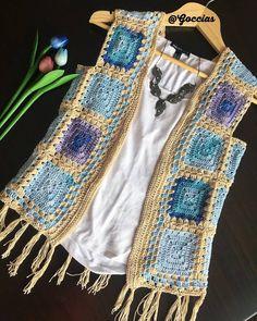 Mavili yelek guzel. Pull Crochet, Gilet Crochet, Crochet Jacket, Crochet Cardigan, Crochet Granny, Crochet Baby, Free Crochet, Knit Crochet, Baby Knitting Patterns