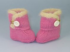 Baby_fur_trim_one_button_booties3_small2