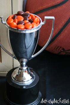 Celebrate March Madness or a great season with fun themed basketball snacks including peanut butter cup basketball treats that will be a crowd pleaser! Basketball Birthday Parties, Boy Birthday Parties, Birthday Ideas, Trophy Craft, Diy Trophy, Hot Wheels Party, Sports Party, Perfect Party, Bar