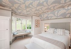 National Trust Holiday Cottage - traditional - Bedroom - South West - Woodford Architecture and Interiors Bedroom Ceiling, Bedroom Wall, Bedroom Decor, Small Bedroom Designs, Master Bedroom Design, Paintable Wallpaper, Interior Architecture, Interior Design, Bedroom Images