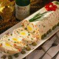 Lajos Mari konyhája - Gyönyörűséges orosz  hússaláta tojással Salad Design, Cold Dishes, Sandwich Cake, Eat Pray Love, Food Platters, Easter Crafts, My Recipes, Carne, Sushi