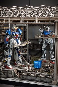 PG 1/60 Zeta Gundam + Strike Gundam - Assembly Plant Diorama Build