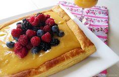 Olá!  Uma sobremesa fantástica com cores, sabores e texturas maravilhosos!  A textura da massa folhada envolta no doce de limão,  fina...