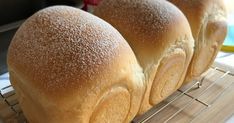 I have tried different Japanese milk bread recipe. The interesting factor that attracted my attention was the hand-kneading pattern of.