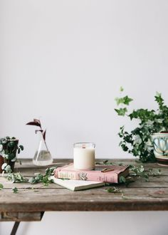 Spiced with a hint of clove this Winter Bergamot candle will evoke feelings of comfort and help ease you into the day ahead. Perfect for a slow morning. Be transported to Southern Italy where the Bergamot blossoms in winter and the light citrusy scent is carried through fresh montane forest.