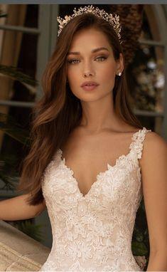 Bridal Makeup Looks, Wedding Hair Down, Bridal Hair And Makeup, Wedding Hair And Makeup, Bridal Looks, Wedding Make Up, Natural Bridal Makeup, Bride Hair Down, Natural Wedding Makeup Looks