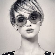 40 hairstyles for thin hair Edgy Short Haircuts, Modern Haircuts, Haircuts For Long Hair, Short Bob Hairstyles, Hairstyles With Bangs, Cool Hairstyles, Medium Hair Cuts, Short Hair Cuts, Medium Hair Styles