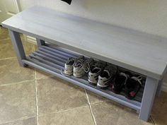 38 ideas for shoe storage bench plans diy Outdoor Shoe Storage, Shoe Storage Bench Entryway, Shoe Rack Bench, Diy Shoe Storage, Diy Bench, Storage Ideas, Shoe Rack For Porch, Storage Baskets, Kitchen Storage