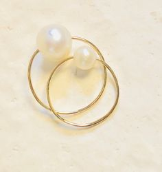 CIRCLE RING WITH PEARL