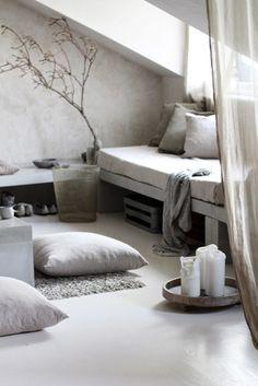 Inspiratie Betonlook meubels , wand , vloer…..  Interesse in betonstuc…