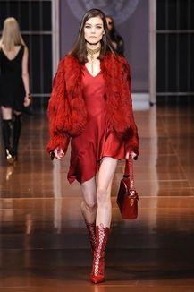 Sfilate di Moda - Donna Autunno Inverno 2014-15 - Versace 02