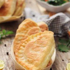 placinte-sunca-cascaval-detaliu Apple Pie, Desserts, Food, Salads, Tailgate Desserts, Apple Cobbler, Deserts, Eten, Postres