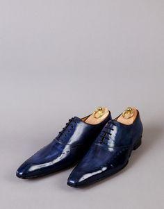 77725b4805ce 13 meilleures images du tableau Chaussures bleues