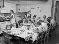 That's what my family looked like getting together. But had more tables. Eat Together, Photo Vintage, Vida Real, Before Us, The Good Old Days, Vintage Pictures, Vintage Photographs, Back In The Day, Retro