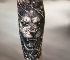 Lion tattoo by Oscar Akermo