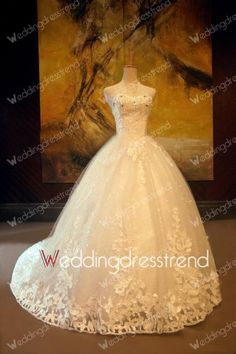 Charming Sweetheart Crystal Wedding Dress with Appliques