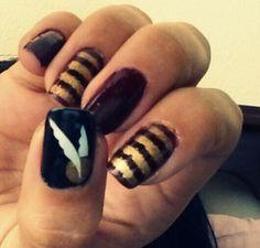 Harry potter nails snich Harry Potter Nails, Fingers, Make Up, Nail Art, Hair, Beauty, Makeup, Nail Arts, Beauty Makeup