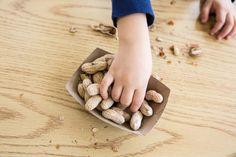 Unas nuevas directrices instan a la introducción temprana del cacahuate en los bebés con un alto riesgo