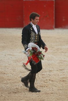 Pablo Hermoso de Mendoza celebrates great bullfight in Chetumal by Hugo Ortuño Suárez, via Flickr