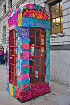 Yarn Bombing! London Telephone Booth by Deadly Knitshade (Knit the City). (Link)