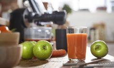 Prepara cappuccino ca un barista: retete si trucuri utile Barista, Apple, Food, Meal, Essen, Hoods, Meals, Apples, Eten