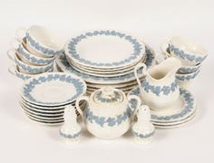 @Katie Blanchard Wedgwood Queensware - I would like to collect a whole set.  Beautiful