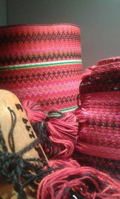 Eldre brikkevevde belter Folk Costume, Costumes, Folklore, Friendship Bracelets, Jewelry, Fashion, Jewellery Making, Moda, Jewerly