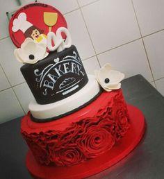 Ruffle cake e effetto lavagna per la nostra amica fornaia...