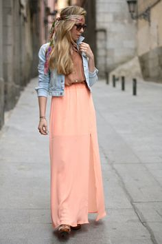 denim jacket with dress/ skirt NEED! Hippie Chic, Bohemian Mode, Boho Chic, Bohemian Style, Boho Fashion, Fashion Beauty, Womens Fashion, Hijab Fashion, Fashion Design