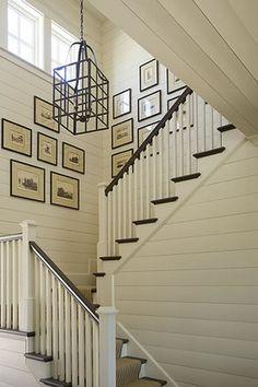 no se q hacer con las escaleras..necito ayuda q decoracion poner!   Decorar tu casa es facilisimo.com