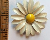 #Vintage #Costume #Jewelry #White #Daisy #Flower #Brooch