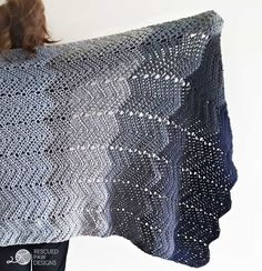 Ombre Ripple Crochet Blanket by Rescued Paw Designs - Free Crochet Pattern and Tutorial! www.rescuedpawdesigns.com