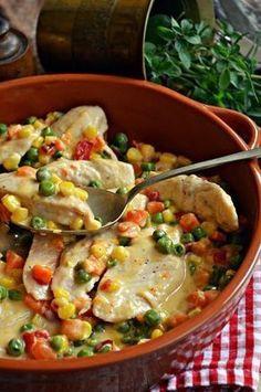 Villámgyors zöldséges-tejszínes csirkemell Meat Recipes, Chicken Recipes, Dinner Recipes, Cooking Recipes, Fun Easy Recipes, Super Healthy Recipes, Law Carb, Food Porn, Good Food