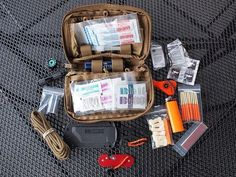 Want to build an EDC kit for urban survival? Check out these pictures and gear lists of EDC kits used by real people. Survival Items, Survival Supplies, Survival Equipment, Survival Food, Camping Survival, Outdoor Survival, Survival Prepping, Survival Skills, Emergency Preparedness
