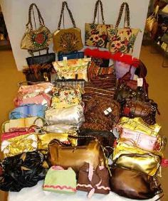 Wholesale Lot of 50 Assorted Fashion Handbags for Re-Sale (Free Shipping)
