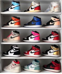 Find images and videos about shoes, nike and sneakers on We Heart It - the app to get lost in what you love. Jordan Shoes Girls, Girls Shoes, Jordan Boots, Boy Shoes, Cute Sneakers, Shoes Sneakers, Air Jordan Sneakers, Souliers Nike, Zapatillas Nike Jordan