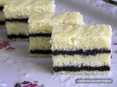 Nebíčka in his mouth - poppy seed cake with vanilla cream Cake Recept, Sweet Cakes, How Sweet Eats, Something Sweet, Holiday Desserts, Vanilla Cake, Vanilla Cream, Sweet Recipes, Cupcake Cakes