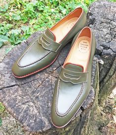 footgear: Luxury Penny Loafer by masters from Moldova with a familiar name - Frunze Valentin Frunză Handcrafted Shoes Mens Suede Dress Shoes, Mens Shoes Boots, Men's Shoes, Shoe Boots, Mens Fashion Shoes, Men's Fashion, Gentleman Shoes, Stylish Boots, Green Shoes