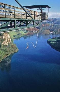 bungee jump on the south island in new zealand