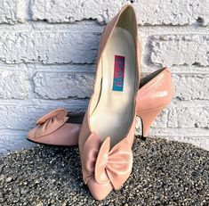 "Excited to share this item from my #etsy shop: Sz 8 80s Pumps by Proxy Made in Spain Vintage Pink Pastel Bunched Leather 3"" Cone Heel Pointed Toe Cleavage Bow Preppy Medium Width Feminine"