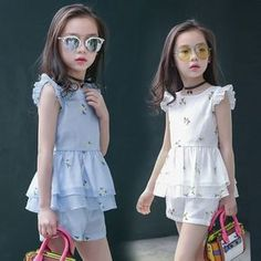 Girls Summer Set 2017 Fshion Children Clothing Floral Organza O-neck Petal Sleeve T-shirt Shorts Twinset Kids Clothes Frocks For Girls, Kids Outfits Girls, Little Girl Dresses, Girl Outfits, Girls Dresses, Kids Dress Wear, Kids Gown, Baby Dress Design, Baby Girl Dress Patterns