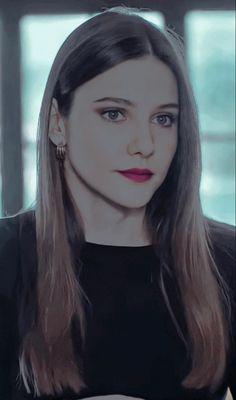 Alina Boz, Daenerys Targaryen, Game Of Thrones Characters, Fictional Characters, Fantasy Characters