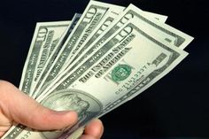 Greenback hovers close to three-week minimum