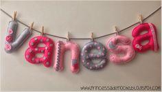 Nombre en fieltro para decorar habitación de niña
