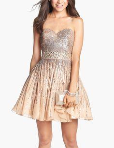 Twirl worthy prom dress.