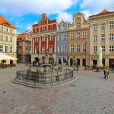 allthingseurope:  Old Market Square, Poznan, Poland (by UggBoy♥UggGirl )