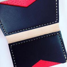 #feiradasalmas #wallet #leather #exclusive #concept #design #minimalist Continental Wallet, Concept, Instagram Posts, Leather, Design, Minimalist