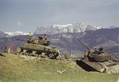Soviet T-34/85 & Lend Lease M4(76) stop for a rest.