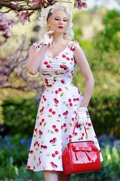 f85d7205f39 Robe vintage swing années 50 pin-up Cherry Blossom blanc   cerises